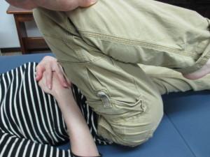 足を曲げると腰が痛い(1)