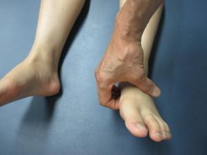 歩くと踵が痛い(1)
