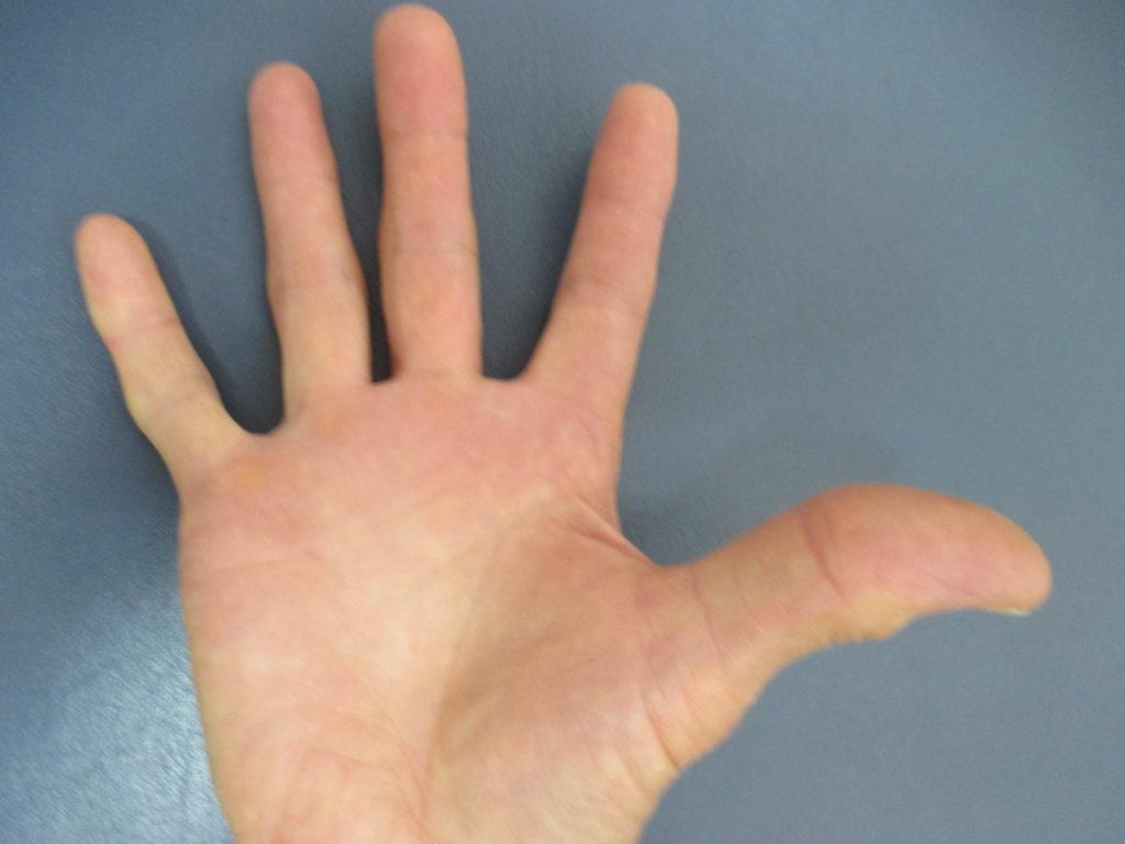 手と足の軸回転の法則